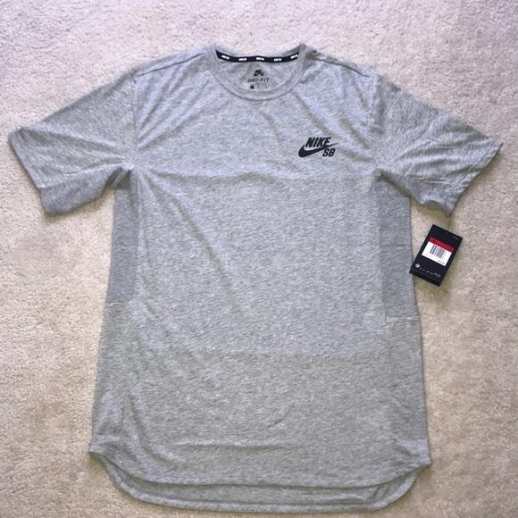 957b9445 Nike Shirts | Sb Skyline Cool Short Sleeve Tshirt Large | Poshmark